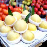スーパーに売っている梨の1個あたりの相場と一人あたりに年間で梨に使う価格の推移