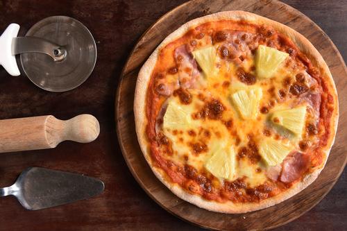 ピザ パイナップル 理由 不味い