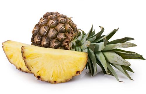 パイナップル 食べごろ 見分け方 目安 緑 切り方