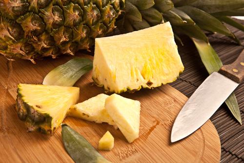 パイナップル むき方 簡単