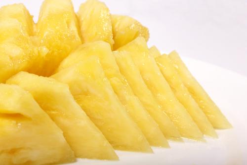 パイナップル 皮 剥き方 食べる どこまで