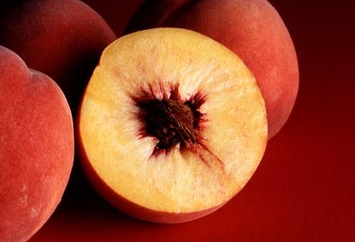 桃 離乳食 いつ アレルギー 心配