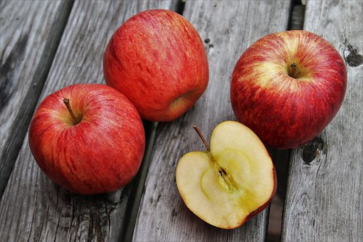 りんご 食べる 動物